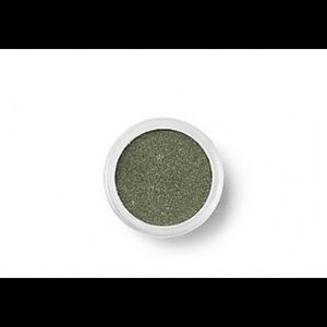 Bare Minerals Eye Shadow in Peacock